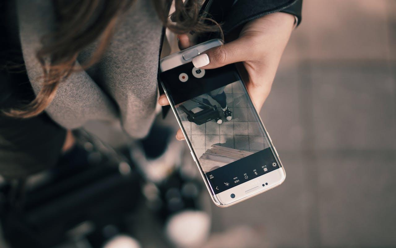 5g iphone.jpg?ixlib=rb 2.1